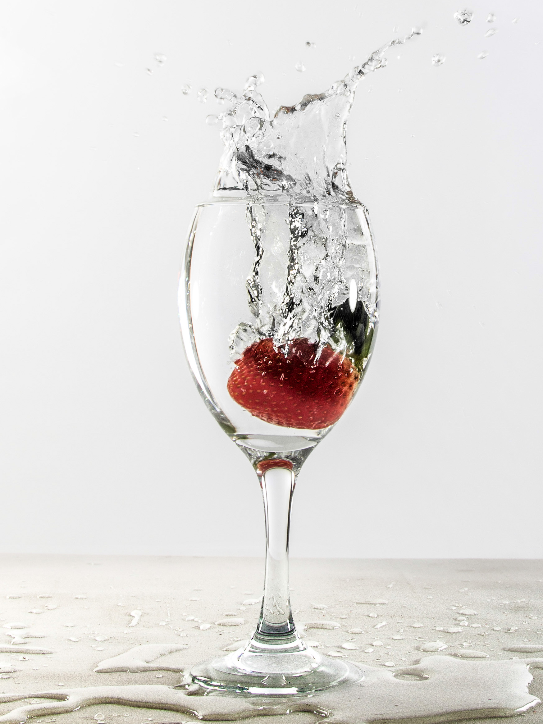 Image Fruit into water